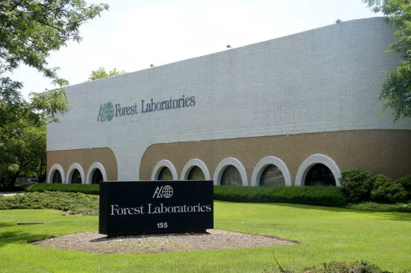 Ropack Inc., a drugmaker from Montreal, wants to buy this building at 155 Commerce Dr. in Hauppauge, seen on June 25, 2015, and another, also used by Forest Laboratories, for a new U.S. operation. Photo Credit: Newsday / Audrey C. Tiernan